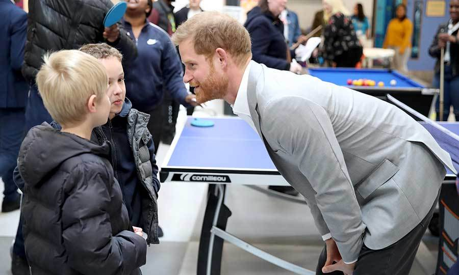 Harry also took some time to chat with some kids who were playing ping-pong at the facility, which will give London children the ability to partake in 20 different activities each night. What an incredible place! 