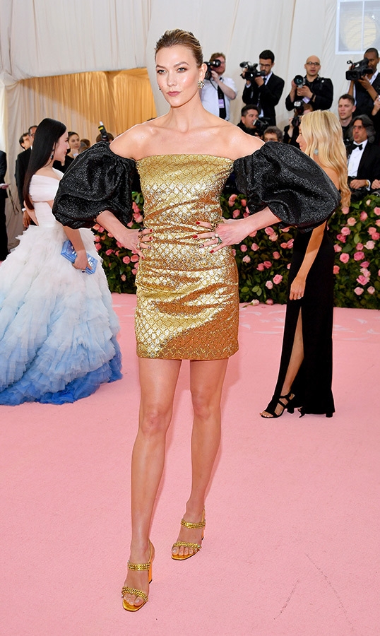"<a href=""https://ca.hellomagazine.com/tags/0/karlie-kloss""><strong>Karlie Kloss</strong></a> in Gucci x Dapper Dan