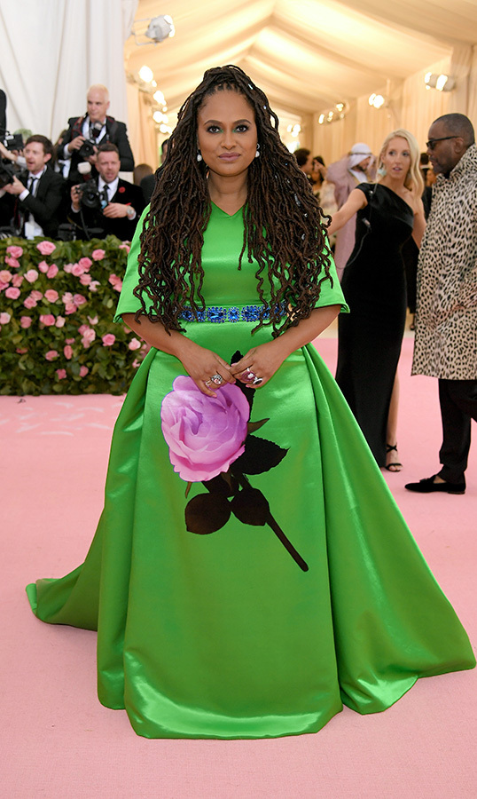 "<a href=""https://ca.hellomagazine.com/tags/0/ava-duvernay""><strong>Ava DuVernay</strong></a> in Prada