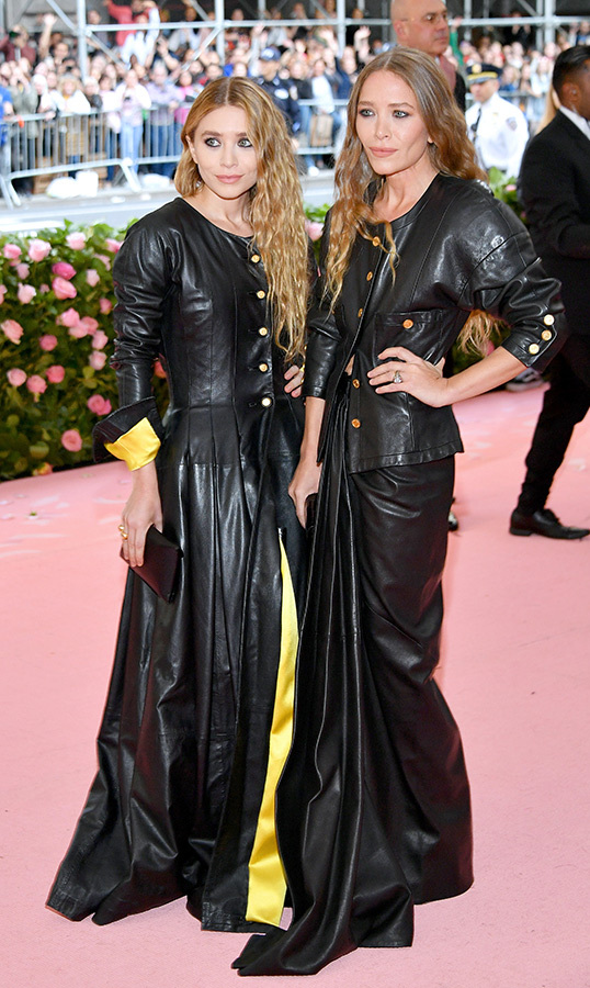 "<strong><a href=""/tags/0/mary-kate-olsen"">Mary-Kate</a></strong> and <a href=""/tags/0/ashley-olsen""><strong>Ashley Olsen</a></strong>