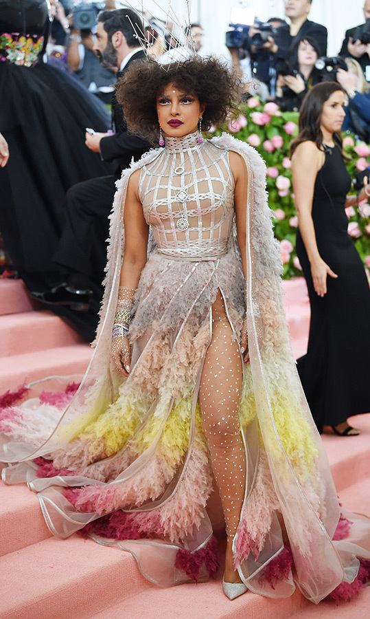 "<a href=""https://ca.hellomagazine.com/tags/0/priyanka-chopra""><strong>Priyanka Chopra</strong></a> in Dior Haute Couture