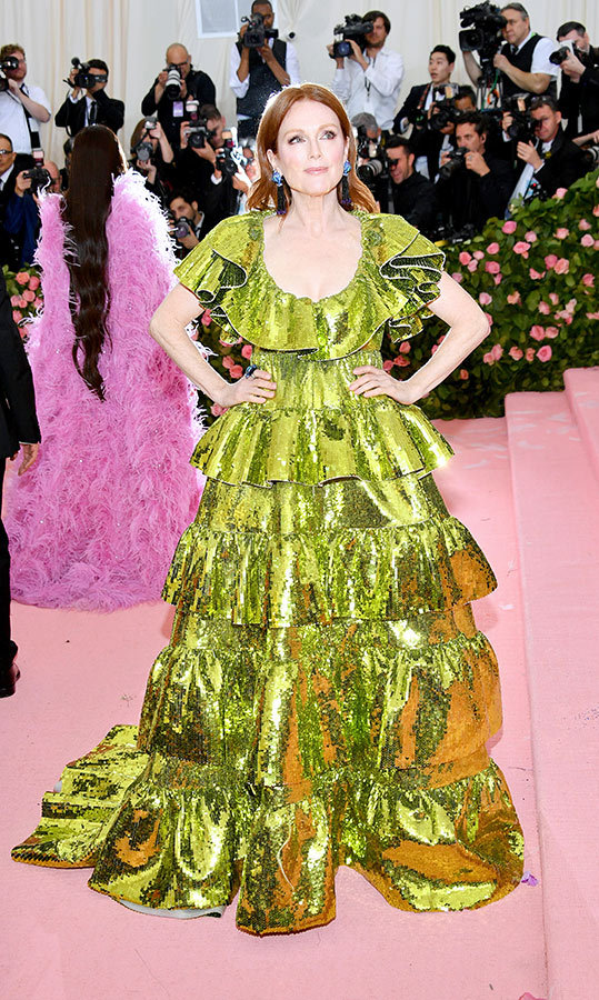 "<a href=""https://ca.hellomagazine.com/tags/0/julianne-moore""><strong>Julianne Moore</strong></a> in Valentino