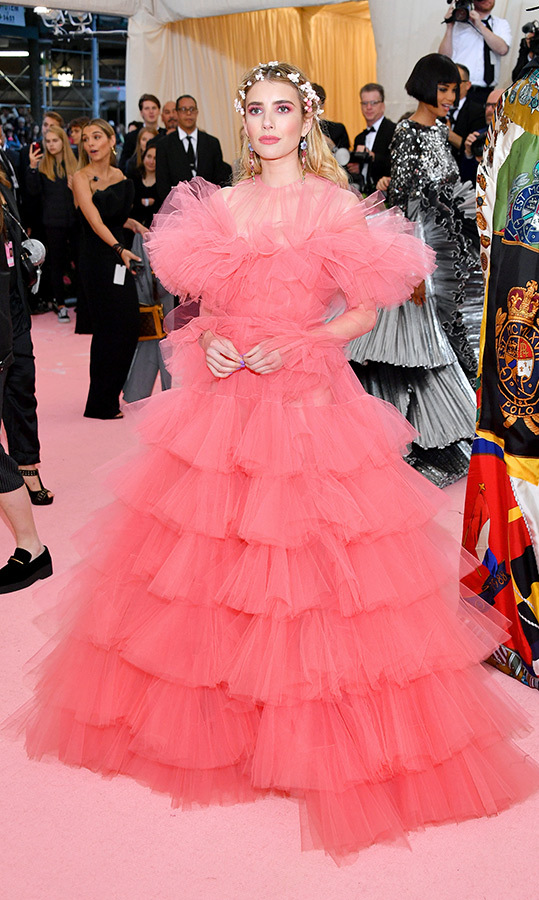 "<a href=""https://ca.hellomagazine.com/tags/0/emma-roberts""><strong>Emma Roberts</strong></a> in Giambattista Valli Couture
