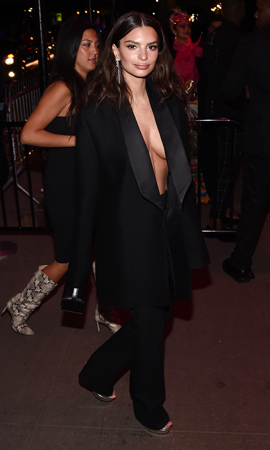 "<a href=""/tags/0/emily-ratajkowski""><strong>Emily Ratajkowski</strong></a>