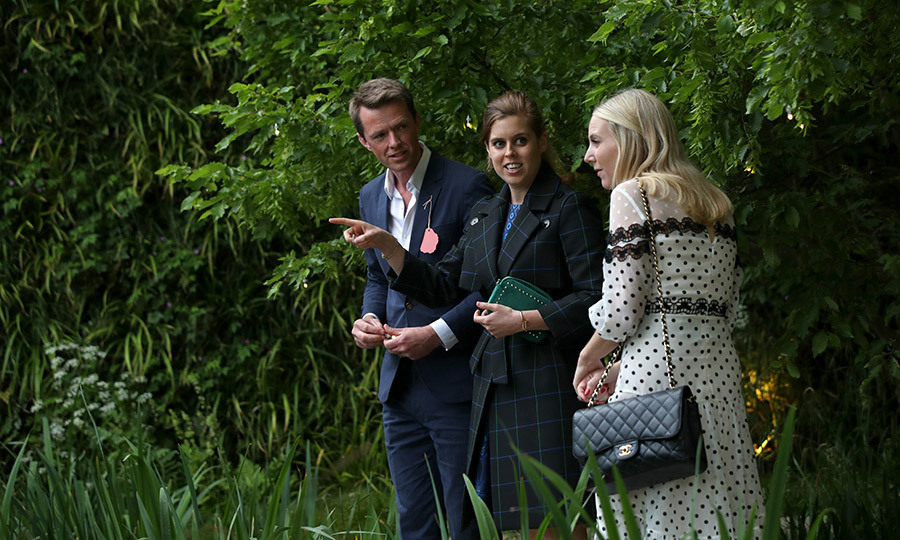 Beatrice and Alice also got a good look at Kate's garden.