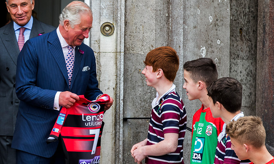 The lucky royal received a Ulster rugby jersey while speaking with Lloyd Quinn from The Royal School.