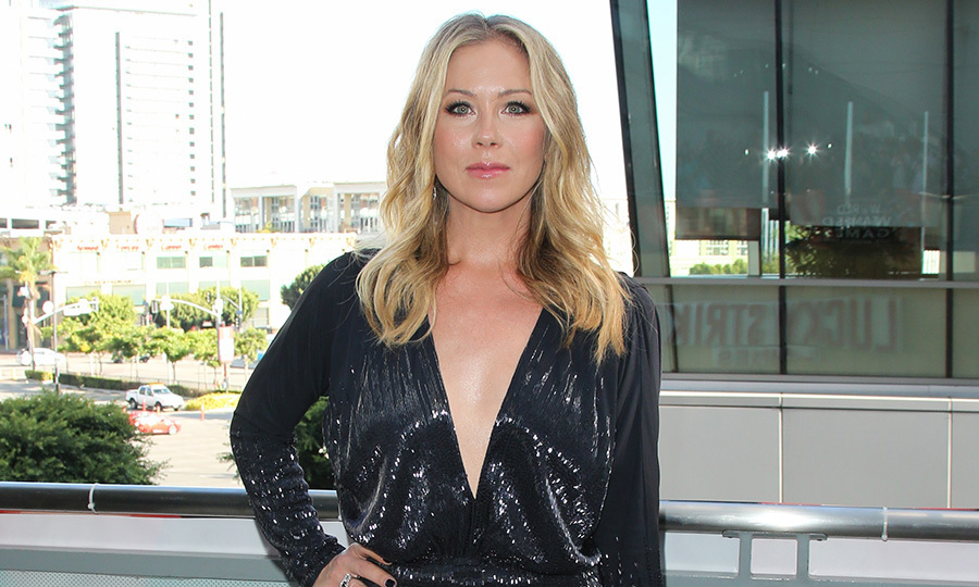 <h2>Christina Applegate</h2>