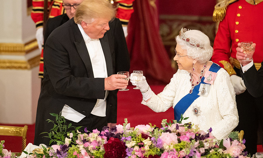 The two also exchanged a toast. 