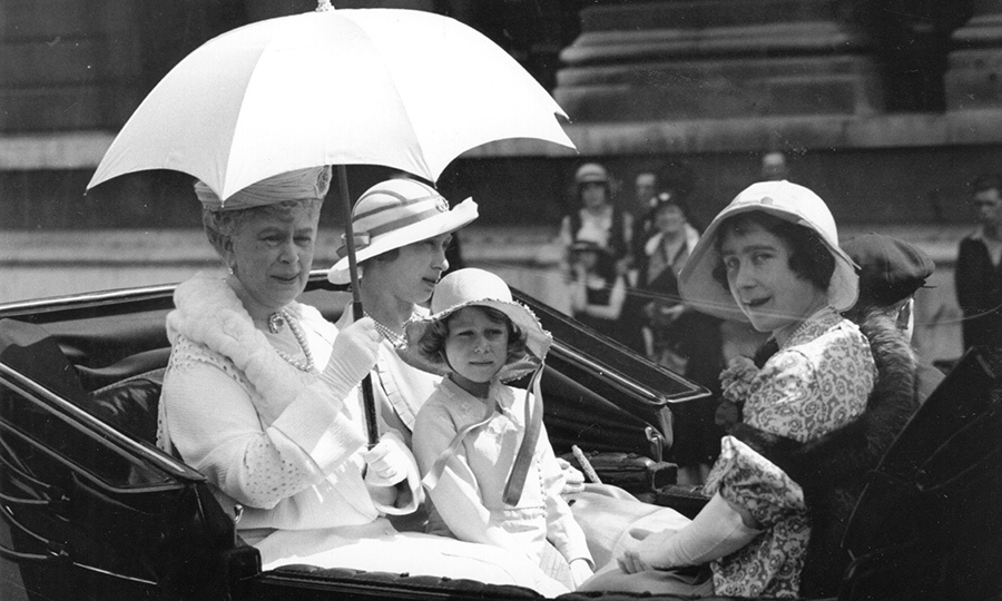 <h2>The Queen</h2>