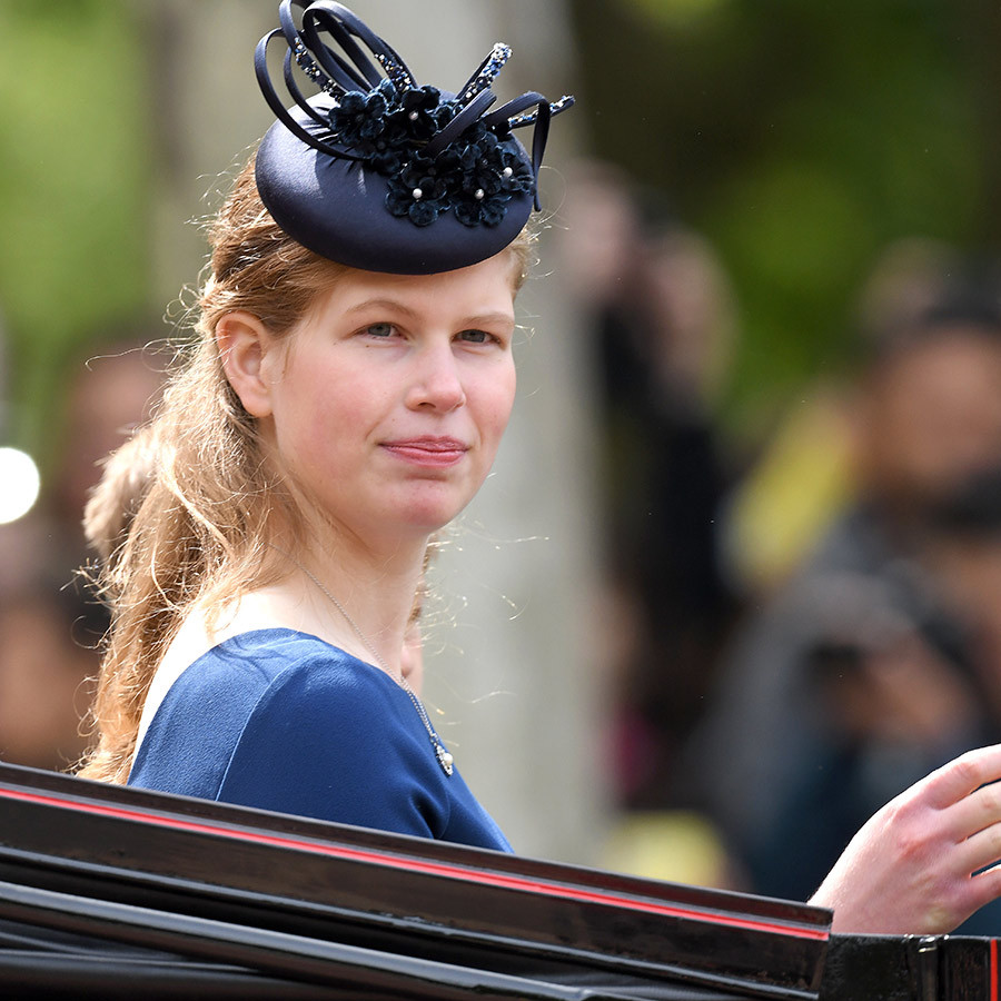 "<strong><a href=""/tags/0/lady-louise-windsor"">Lady Louise Windsor</a></strong>, Sophie and Edward's daughter, showed off some great style with a very fashionable fascinator!