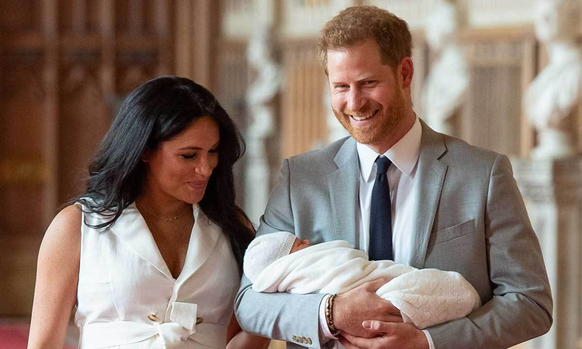 "Look at that smile! <strong><a href=""/tags/0/prince-harry"">Prince Harry</a></strong> was overjoyed when he and <strong><a href=""/tags/0/meghan-markle"">Duchess Meghan</a></strong> welcomed <strong><a href=""/tags/0/archie-harrison"">Archie Harrison</a></strong> last month. And now, he's spending his first Father's Day with his son! 