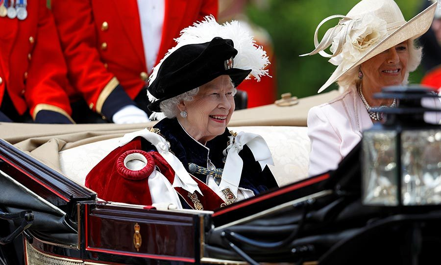 The Queen arrived at the ceremony by car, and following the service, she and other members of the Order and their spouses left by carriage. 