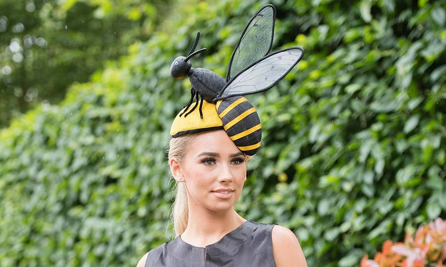 Can you bee-lieve this racegoer's hat from 2019?