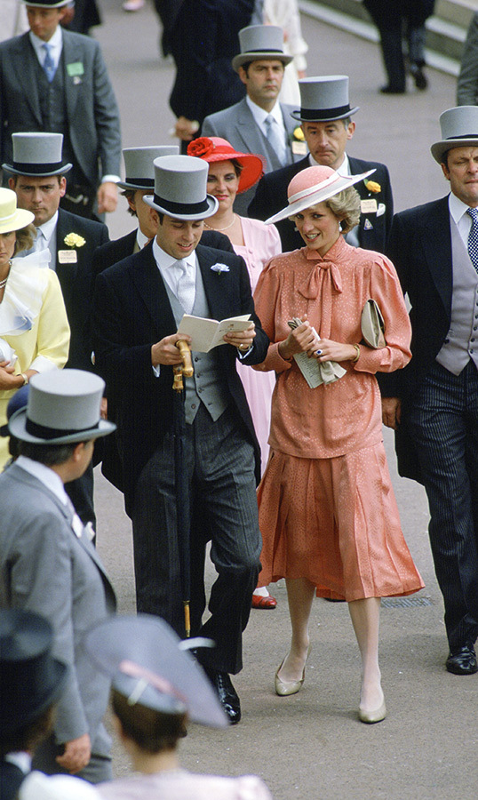 <h2>1985</h2>