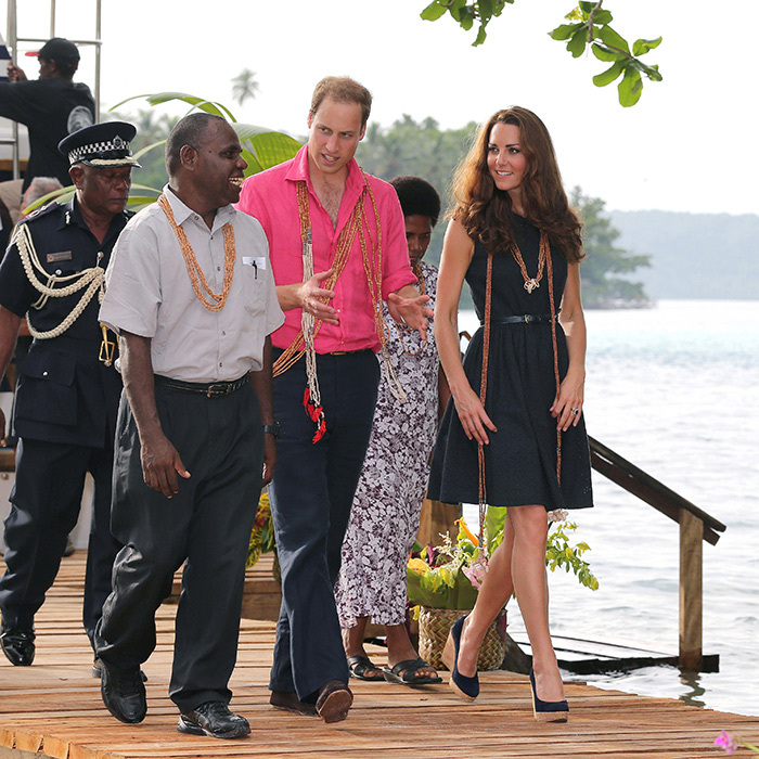 Kate definitely saved room when it came to packing, as she wore the wedges <em>again</em> while visiting Tavanipupu Island in the Solomon Islands. 