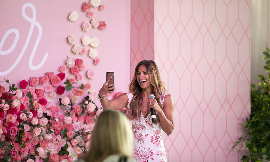 Everyone looked thrilled to be there, including the host, ET Canada's Sangita Patel, who took some candid snaps and clearly had a blast. 