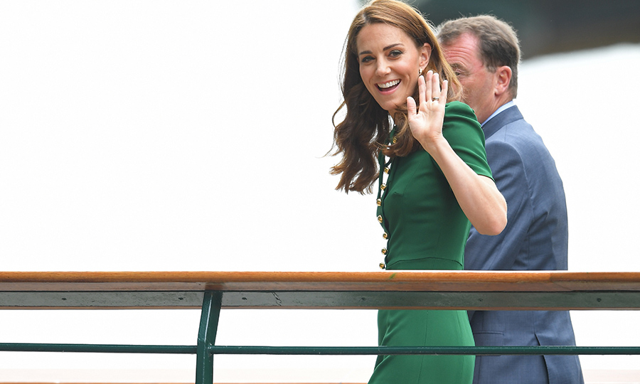 "<strong><a href=""/tags/0/kate-middleton"">Duchess Kate</a></strong> was all smiles as she arrived at <strong><a href=""/tags/0/wimbledon"">Wimbledon</a></strong> with chair <strong>Phillip Brook</strong> on July 13. She looked completely gorgeous in a green <strong><a href=""/tags/0/dolce-and-gabbana"">Dolce & Gabbana</strong></a> dress as she waved to fans. 