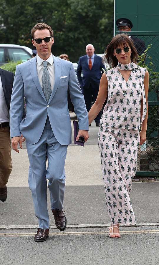 "<strong><a href=""/tags/0/benedict-cumberbatch"">Benedict Cumberbath</a></strong> and his wife, <Strong>Sophie Hunter</strong>, made an incredibly fashionable couple! Benedict rocked a powder blue suit with a white shirt and grey tie, while Sophie stunned in pink sleeveless top with floral prints, which she paired with matching pants.