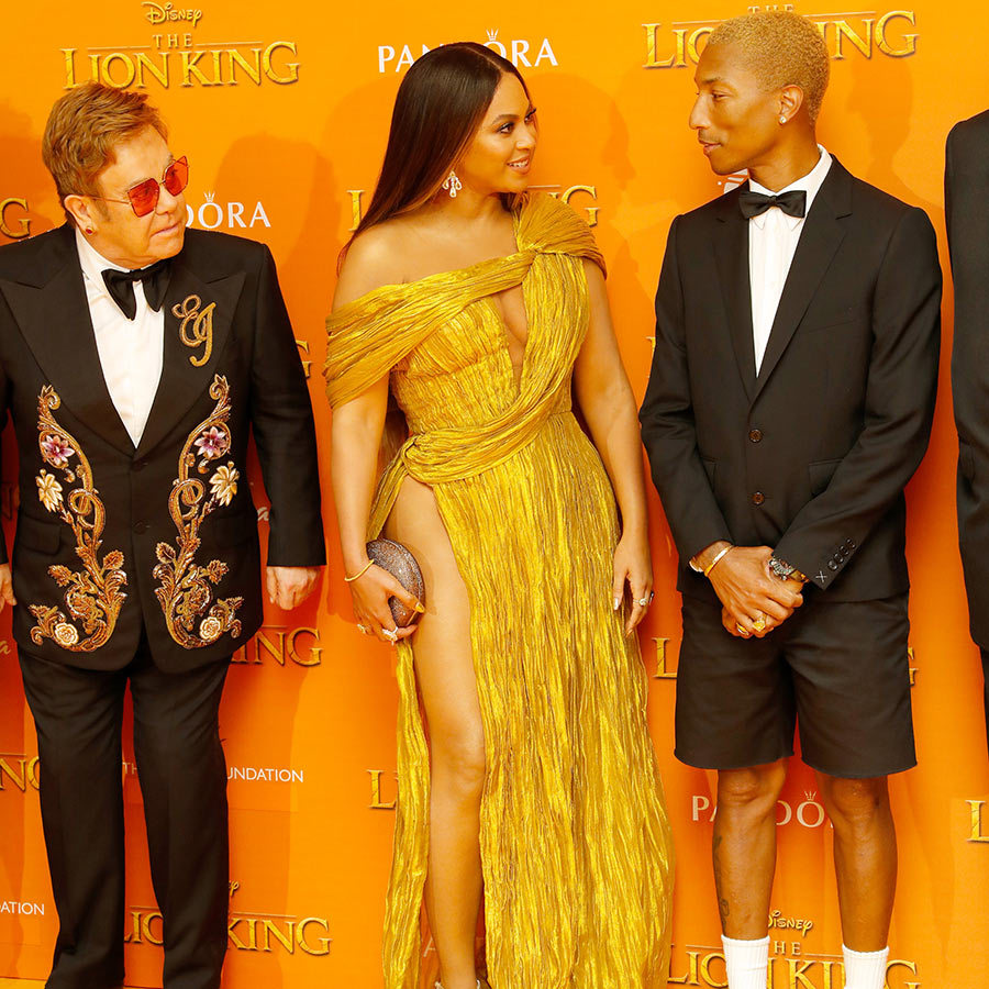 "<strong><a href=""/tags/0/pharrell-williams"">Pharrell Williams</strong></a>, who was at <a href=""/tags/0/wimbledon""><strong>Wimbledon</a></strong> the day before, was there, wearing shorts, a jacket, black bow tie and white shirt, and stopped shared a special moment with Beyoncé.