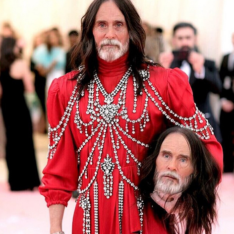 "<strong><a href=""/tags/0/jared-leto"">Jared Leto</a></strong> made sure he also aged the wax head he was carrying at the <strong><a href=""/tags/0/met-gala"">Met Gala</a></strong> in his FaceApp challenge.