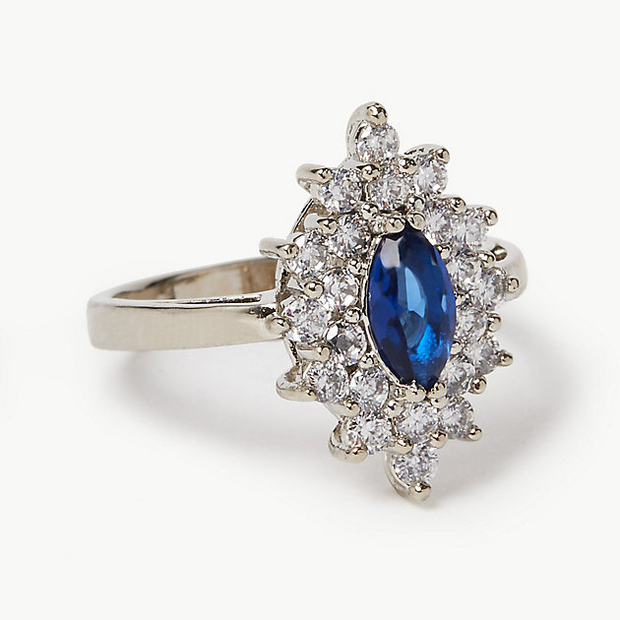 This $45 ring looks just like Kate Middleton's engagement ring