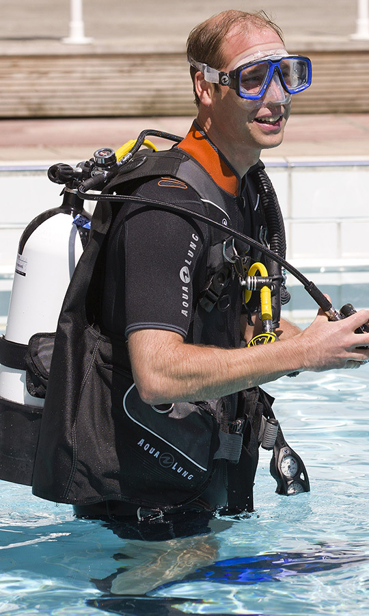 "<strong><a href=""/tags/0/prince-william"">Prince William</a></strong> inherited his father's love of scuba diving, along with the presidency of the British Sub-Aqua Club, as previously mentioned. He and <strong><a href=""/tags/0/kate-middleton"">Duchess Kate</a></strong> <a href=""https://ca.hellomagazine.com/royalty/2018072750641/how-kate-middleton-spends-mustique-holiday/""><strong> love scuba diving and snorkelling</a></strong> while on holiday on Mustique every year, and we hope the two got in some good time under the waves this past July while they celebrated <strong><A href=""/tags/0/prince-george"">Prince George</a></strong>'s sixth birthday there! He's just the right age to learn how to dive, too.