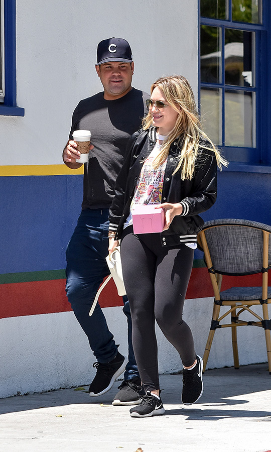 <h2>Hilary Duff and Mike Comrie</h2>