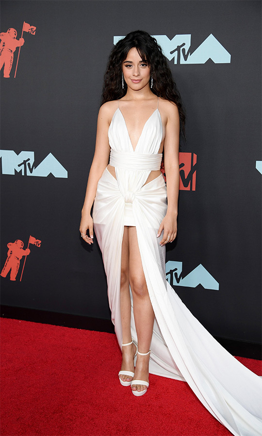 "Shawn's rumoured girlfriend and ""Señorita"" duet partner <strong><a href=""/tags/0/camila-cabello"">Camila Cabello</strong></a> chose a breathtaking white gown with a long train.
