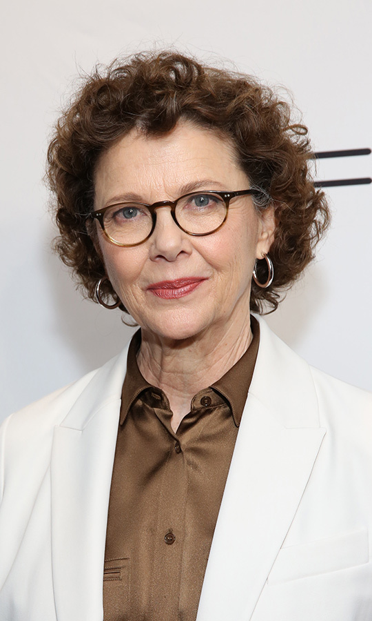 <h2>Annette Bening</h2>