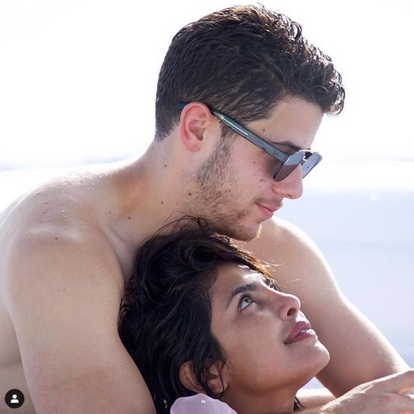 "Before they headed to Italy, <strong><a href=""/tags/0/nick-jonas"">Nick Jonas</a></strong> and <strong><a href=""/tags/0/priyanka-chopra"">Priyanka Chopra</a></strong> spent some time getting loved up on Miami's beaches.