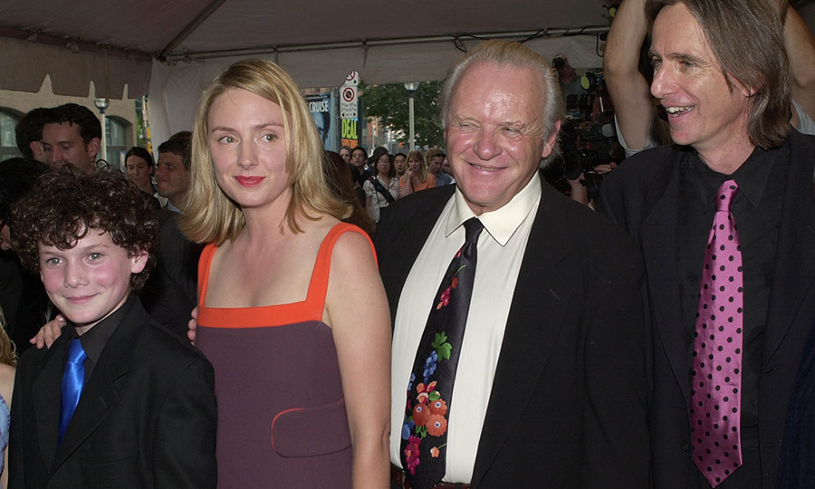 "<strong><a href=""/tags/0/anthony-hopkins"">Anthony Hopkins</a></strong> sported a floral tie as he had a blast promoting <i>Hearts in Atlantis</i> with co-stars <strong><a href=""/tags/0/anton-yelchin"">Anton Yelchin</a></strong> (who has sadly since passed away), <strong>Hope Davis</strong> and director <strong>Scott Hicks</strong> in 2001.