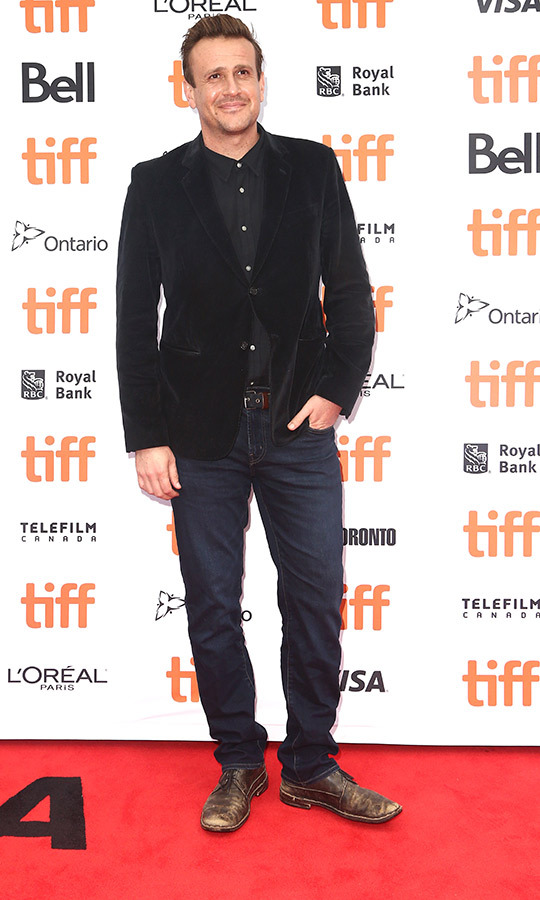 "<strong><a href=""/tags/0/jason-segel"">Jason Segel</a></strong> oozed casual cool on the red carpet for <i>The Friend</i> in a black velvet blazer, drses shirt, jeans and worn leather shoes. He told <i>Hello! Canada</i> that his favourite thiing about Canada is poutine.