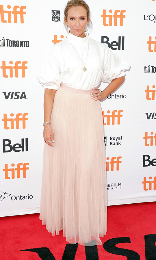 "<strong><a href=""/tags/0/toni-collette"">Toni Collette</strong></a> looked like a total boss on the <i>Knives Out</i> red carpet!