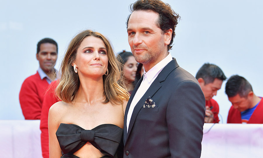 "<strong><a href=""/tags/0/keri-russell"">Keri Russell</a></strong> came out to support hubby <strong><a href=""/tags/0/matthew-rhys"">Matthew Rhys</a></strong> at the world premiere of <i>A Beautiful Day in the Neighbourhood</i> on Sept. 7! Look at her looking at him! It's clear these two are still so in love with each other!