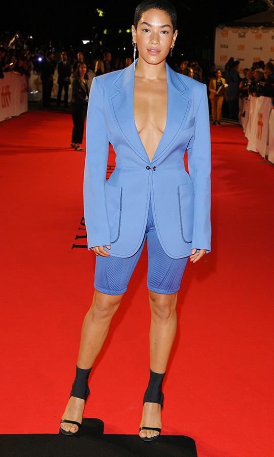 <strong>Mette Towley</strong> looked stunning in a baby blue blazer, shorts and stunning high heels!