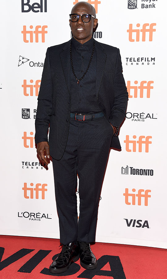 "<strong><a href=""/tags/0/wesley-snipes"">Wesley Snipes</a></strong> looked classy in all black on the <i>Dolemite is My Name</i> red carpet.