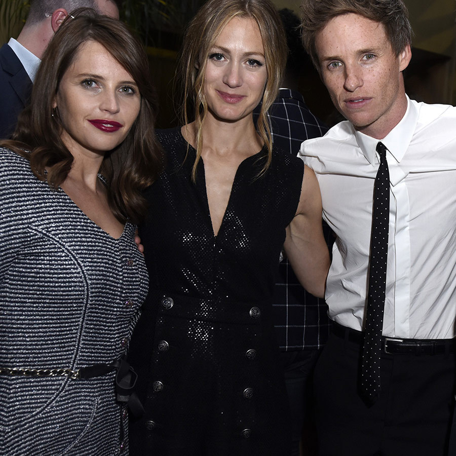 "<strong><A href=""/tags/0/felicity-jones"">Felicity Jones</a></strong> and <strong><a href=""/tags/0/eddie-redmayne"">Eddie Redmayne</a></strong> chilled out with Eddie's wife, <strong>Hannah Bagshawe</strong>.
