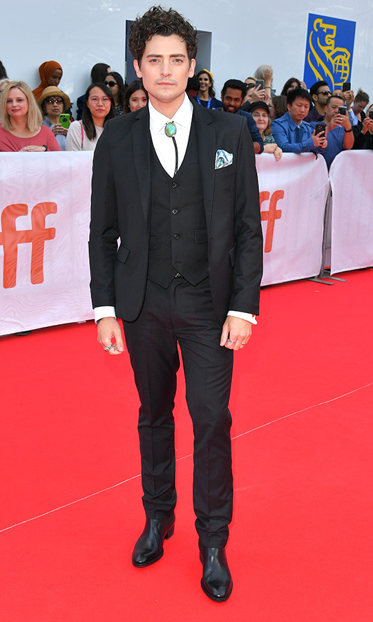 "<Strong><a href=""/tags/0/aneurin-barnard"">Aneurin Barnard</a></strong> added a bit of flair to his nearly-all-black suit with a bolero tie! 
