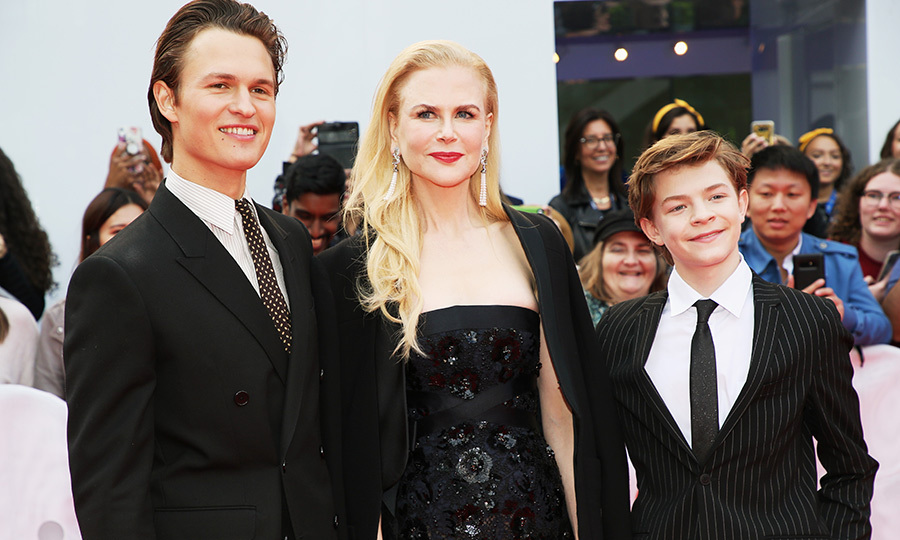 Ansel, Nicole and Oakes happily posed together before heading in to Roy Thomson Hall.