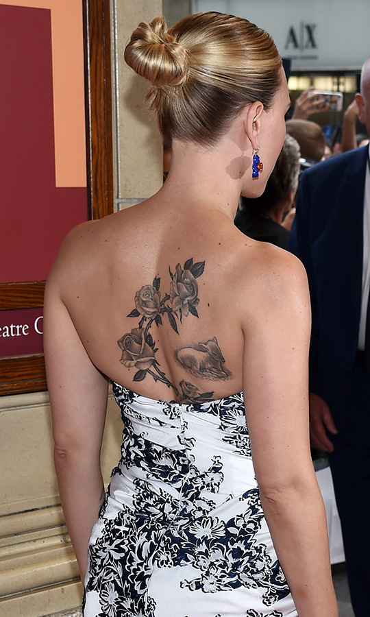 Scarlett's dress matched her back tattoo! 