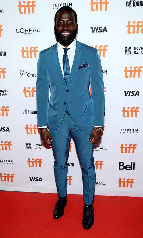 <strong>Shamier Anderson</strong> wore a cornflower blue suit on the <i>Endings, Beginnings</i> red carpet. 