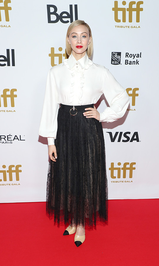 "<strong><a href=""/tags/0/sarah-gadon"">Sarah Gadon</a></strong> looked beautiful in a gorgeous blouse and black lace skirt at the TIFF Tribute Awards gala on Sept. 9!