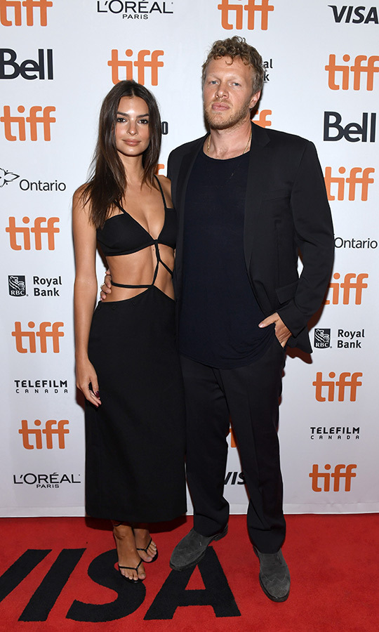 "<strong><a href=""/tags/0/emily-ratajkowski"">Emily Ratajkowski</a></strong> joined her husband <strong>Sebastian Bear-McClard</strong>, one of the producers of <i>Uncut Gems</i>, on the film's red carpet.