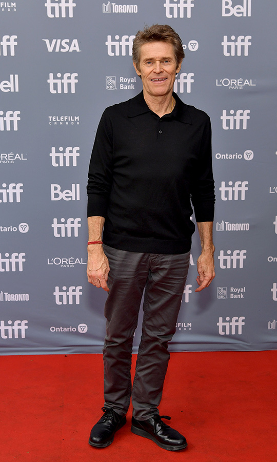 "<Strong><a href=""/tags/0/willem-dafoe"">Willem Dafoe</a></strong> looked relaxed and happy at the same event.