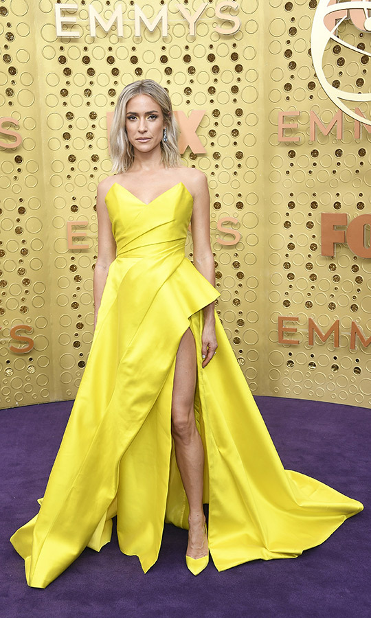 "<strong><a href=""/tags/0/kristin-cavallari"">Kristin Cavallari</a></strong> wowed in a neon yellow gown with matching heels.