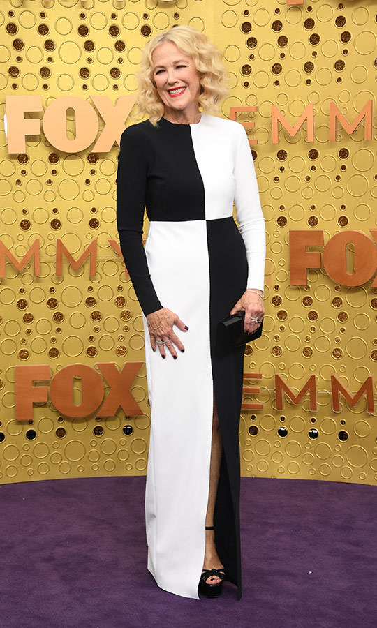 "The one and only <strong><a href=""/tags/0/catherine-ohara"">Catherine O'Hara</a></strong> had one of the most stunning looks of the night, choosing a chessboard black and white gown. 
