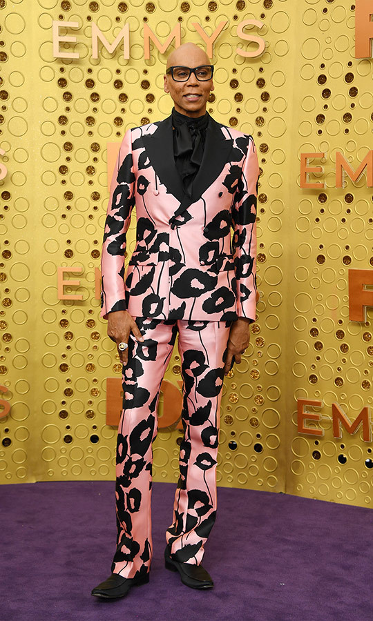 "<strong><a href=""/tags/0/rupaul"">Rupaul</a></strong> looked very chic in a pink and black suit!