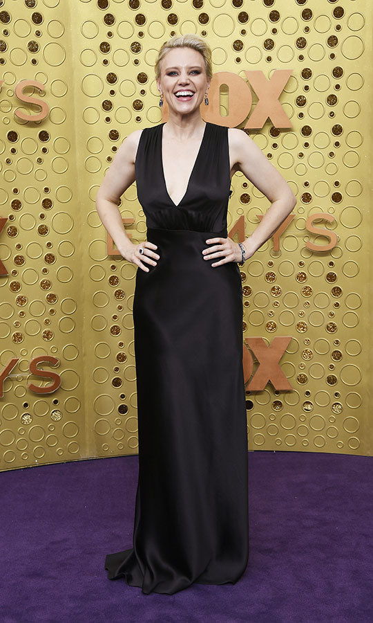 "<strong><a href=""/tags/0/kate-mckinnon"">Kate McKinnon</a></strong> looked classically beautiful in her black gown on the red carpet.