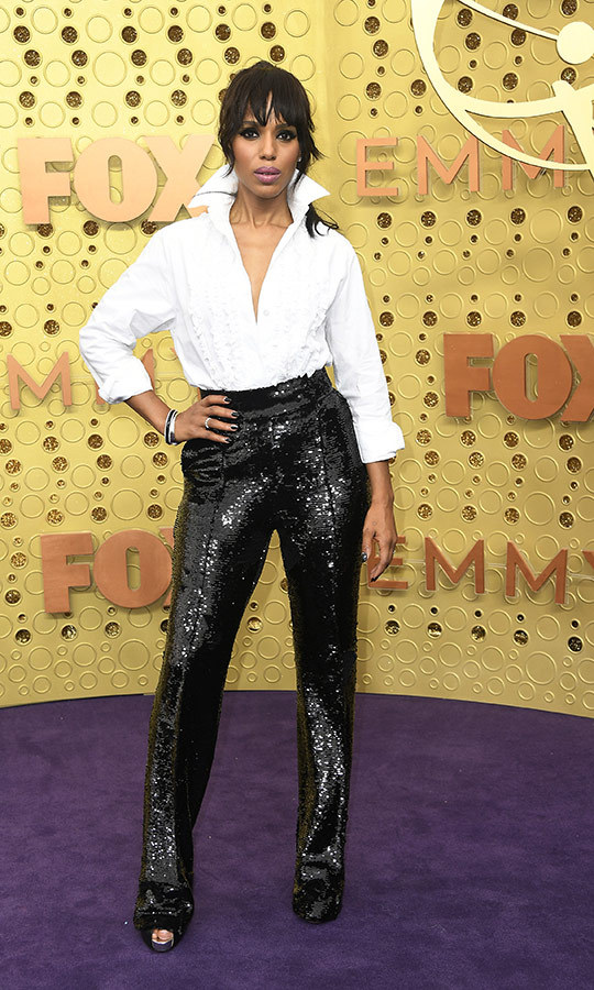 "<strong><a href=""/tags/0/kerry-washington"">Kerry Washington</a></strong> looked fantastic in sequined pants and a blouse with a popped collar. 