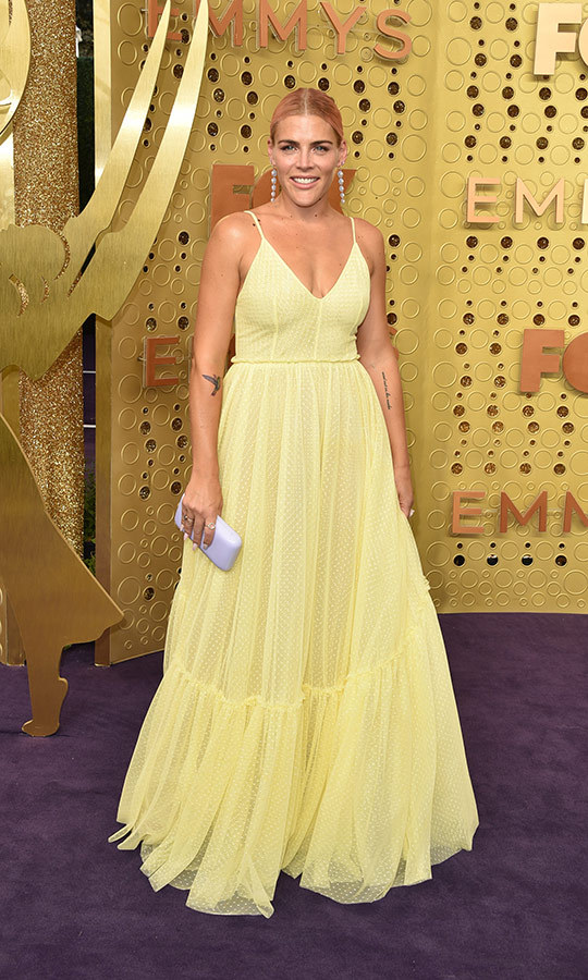 "<strong><a href=""/tags/0/busy-philipps"">Busy Philipps</a></strong> looked lovely in yellow.